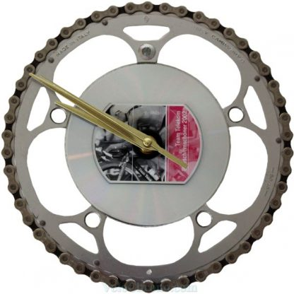 velo horloge murale, velo design, cyclisme, velo cadeau, eco-horloge, bike clock, cycling, ecofriendly gift, Campagnolo, recycled bicycle gear desk clock, upcycled clock, bicycle clock, cycling gift, horloge decorative,