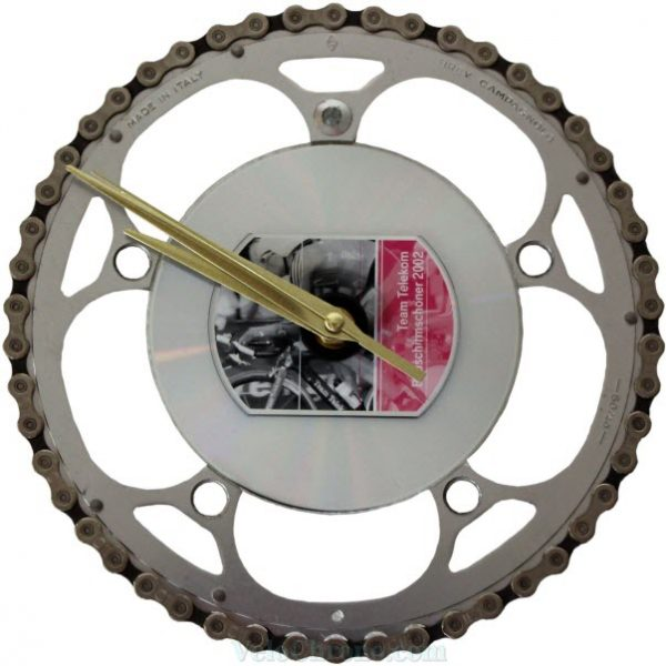 velo horloge murale, velo design, cyclisme, velo cadeau, eco-horloge, bike clock, cycling, ecofriendly gift, Campagnolo, recycled bicycle gear desk clock, upcycled clock, bicycle clock, cycling gift, horloge decorative,
