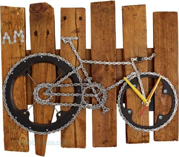 velo tableau horloge, velo panneau horloge, velo design, cyclisme, velo cadeau, eco-cadeau, eco-horloge, bike gift, bike clock, cycling, ecofriendly gift, recycled bicycle gear desk clock, upcycled clock, bicycle clock, cycling gift, tableau horloge decorative, bike clock,
