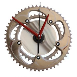 velo horloge murale, velo design, cyclisme, velo cadeau, eco-horloge, bike clock, cycling, ecofriendly gift, Specialized S-Works, recycled bicycle gear desk clock, upcycled clock, bicycle clock, cycling gift,
